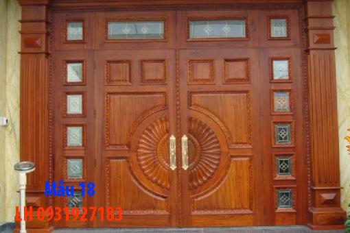 Đóng cửa gỗ tại Đà Nẵng, báo giá thi công cửa gỗ tự nhiên 18